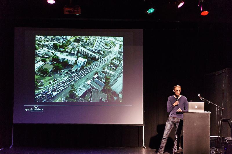 """Vortrag von Christian Brüggemann """"Den Verkehr verschlimmbessern"""" auf dem Webmontag in Frankfurt am 9. Sept. 2013."""